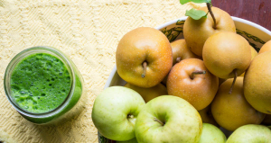 Apple Asian Pear Detox Smoothie