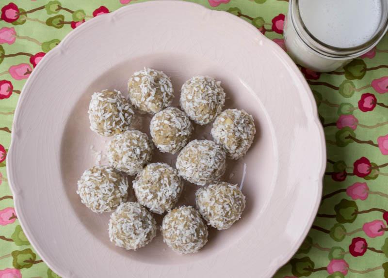 Lemon Cashew Snack Balls