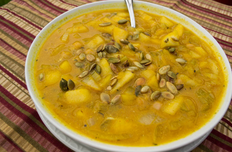 Crockpot Curried Pumpkin Apple Soup